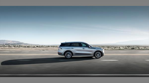 lincoln aviator costado